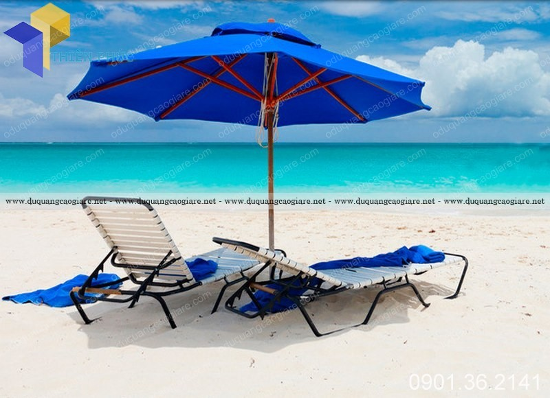 Dù che bãi biển đẹp